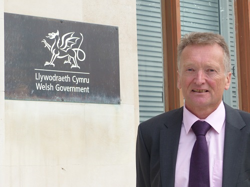 Chief Medical Officer invites young people to join HealthWise Wales